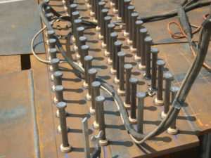 particolare saldatura connettori con testa su palancolati zona Venezia Marghera crteurosaldature_com